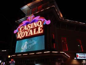 Jak nakládat s penězi při hraní na online kasinech