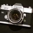 V článku se dozvíte, jaký vybrat foťák a jakým fotoaparátem začít fotit. Srovnáme vhodnost jednotlivých typů přístrojů pro účel, ke kterému se budou využívat.