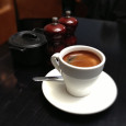 Spousta lidí v dnešní době si už nedovede představit začít svůj den jinak, než šálkem kávy. Na tom, je-li káva zdravá či nikoliv, a jaký má vlastně na náš organismus […]