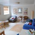 Obývací pokoj lze považovat za jednu z nejdůležitějších místností vbydlení a za základ každé domácnosti. Setkávají se vněm rodinní členové, nebo se zde pořádají různé rodinné akce či akce spřáteli. […]