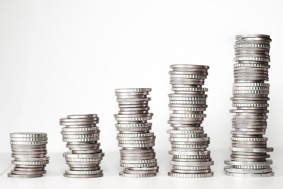 Konsolidací úvěrů se dají ušetřit tisíce korun měsíčně