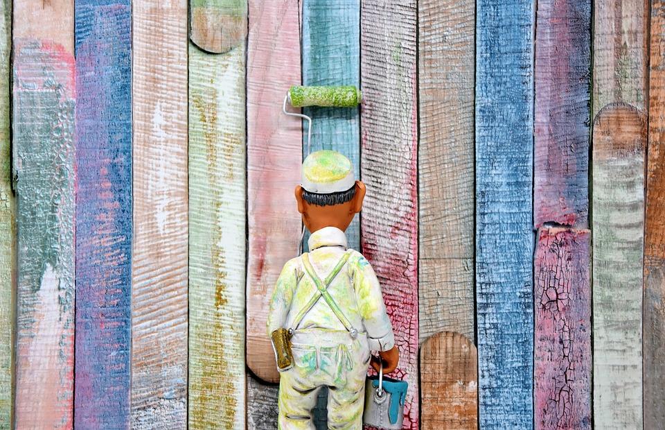 Jak postupovat při malování bytu