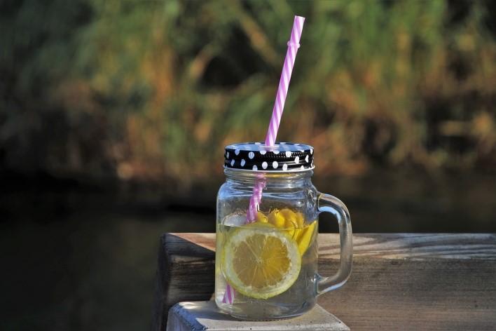Jak vyrobit domácí detoxikační nápoj