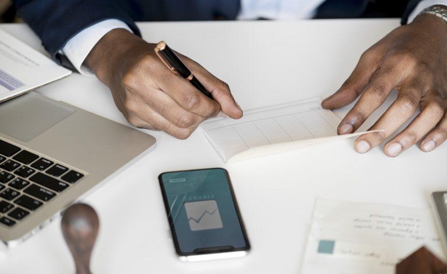 Podle čeho poznat výhodnou půjčku? 6 rad, jak se nespálit