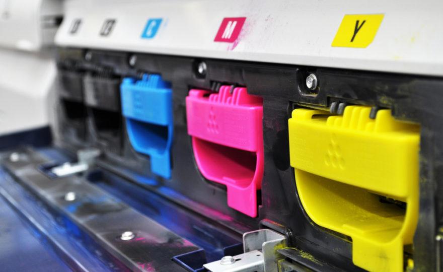Náplně do tiskárny nemusí stát majlant